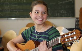 Jetzt anmelden -GitarreHamburg startet neue Gitarrenklassen
