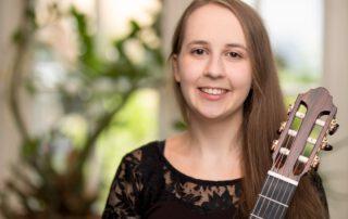 Left Hand Guitar Pieces-Project - Interview mit Nicola Yasmin Stock